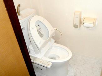 トイレリフォーム 飲食店にふさわしい、清潔感のあるトイレ