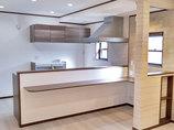 キッチンリフォームカウンターで気軽に過ごせる、照明&収納にこだわったLDK