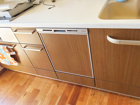 キッチンリフォーム食器洗いの手間が減る、違和感なく取り付けたビルトイン食洗機